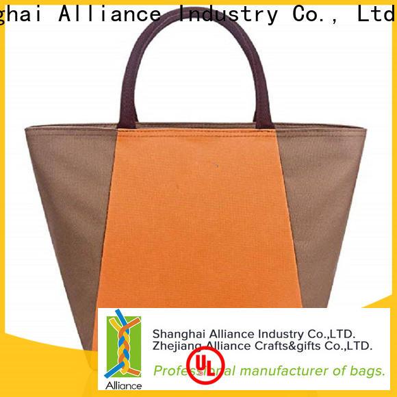Alliance cooler bags design for meal